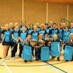 EMkwadraad steunt badmintonvereniging Poona met nieuw clubkleding